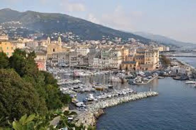 Découverte de 3 villes Corse en bord de mer